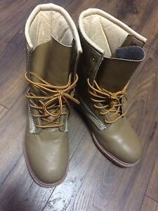 Steel toe Women's CSA certified approved work boots.