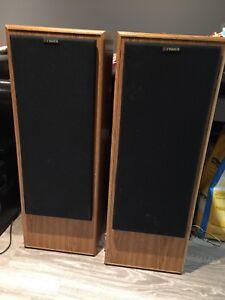 Vintage Technics stereo equipment fisher speakers