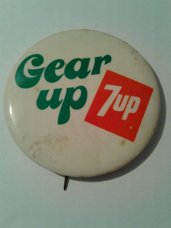 """🌟🌟🌟🌟🌟 Vintage 7up Button - """"Gear up 7up"""""""