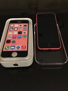 iPhone 5C 16GB  like new with Case.  Unlocked