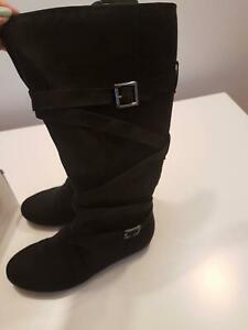 Betts Size 7 Covet Black Suede Boots – Brand New Wollongong Wollongong Area Preview