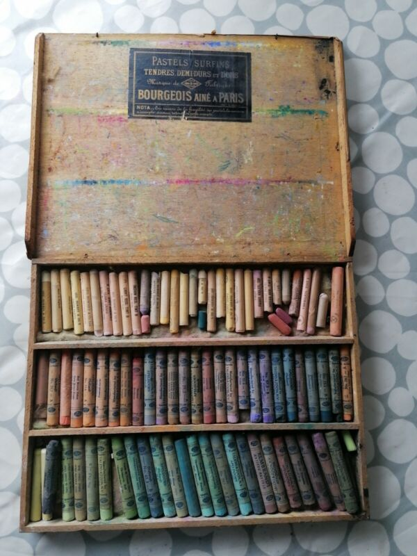 Antique French Artists Pallet / Box Of Pastel By Bourgeois Aine A Paris