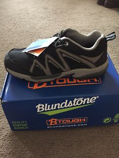 Blundstone safety shoes size AU 9
