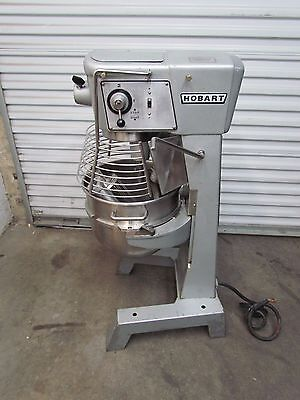 Hobart 30 Qt Mixer With Bowl Guard D-300 Ssteel Bowl 3 Attachments 3 Phase