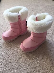 Brand new girl snow boots
