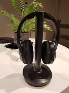 Sony Wireless / WIFI RF Headphones for TV / Media Centre
