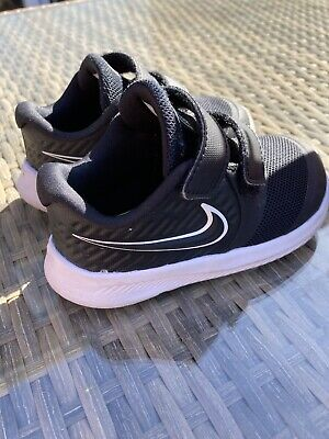 Boys Nike trainers Infant size 5.5 (6C)
