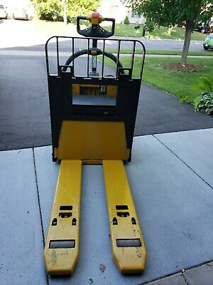 Yale Electric Pallet Jack Color Yellow And Black Size 6000 Lbs