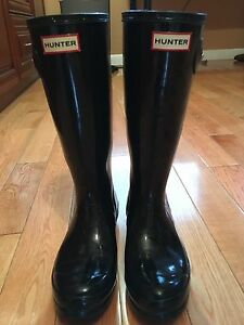 SIZE 5 YOUTH HUNTER BOOTS IN BLACK