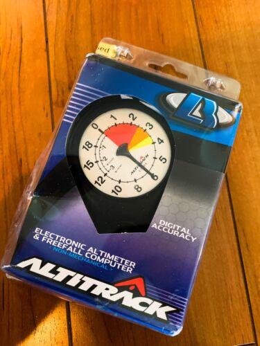 ALTITRACK Electronic Skydiving Altimeter & Digital Logbook WHITE FACE 21,000feet
