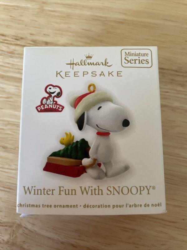 2012 Hallmark Keepsake Miniature Ornament Winter Fun with Snoopy #15