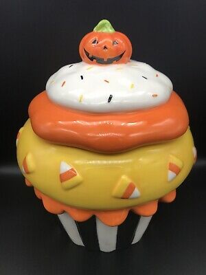 Kohls HAPPY HALLOWEEN COOKIE JAR Ceramic Cupcake CandyCorn RARE!