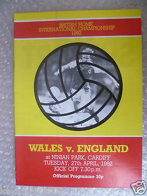 1982 Official Programme WALES v ENGLAND, 27 April