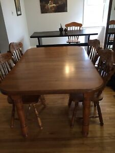 Dining Table with leaf - Canadian Made (NO CHAIRS)