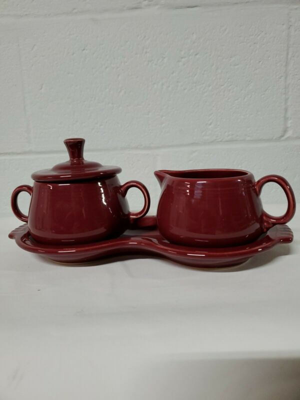 Dark red/burgandy Fiesta CREAM & SUGAR SET w/LID & TRAY