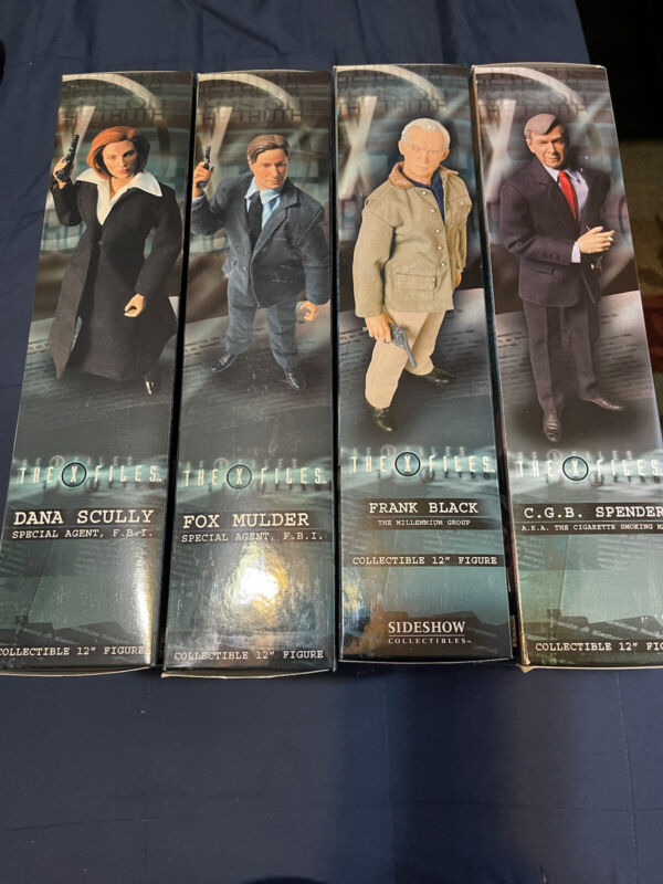 X Files Scully Mulder Spender Black Sideshow Collectible Action Figures