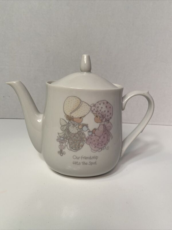 Precious Moments Teapot Our Friendship Hits the Spot 1985 ENESCO Japan 6 In Tall