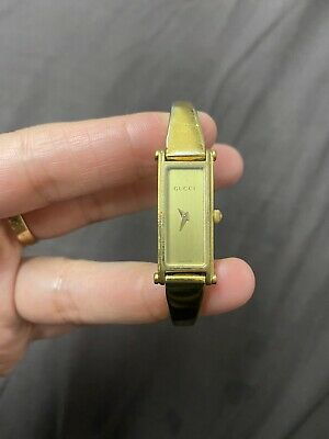 Vintage Gucci Swiss 1500L Ladies Quartz movement Watch. Gold plated.