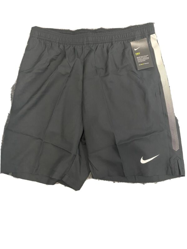 NWT Men's Large NIKE Court Tennis  Dry 9 Inch Tennis Shorts Black 830821-010