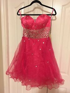 Brand new size 6 prom dress