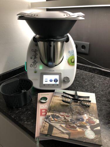 Vorwerk Thermomix TM5 mit Cook-Key, Kochbücher und Zubehör