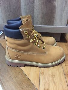 Timberland Wheat Boots - Women's 8 / Men's 6