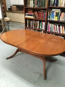 Free Queen Anne Style Dining Table