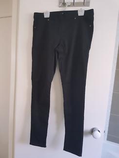 H&M black jeggings size 14