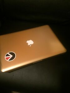Mac book Apple laptop 2012 13""