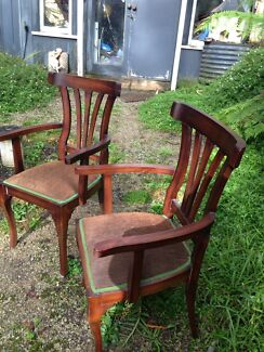 Gorgeous vintage French Provincial chair set with  2 carvers Endeavour Hills Casey Area Preview