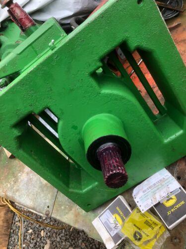 G32  John Deere S680 Unloader DE20757 gear box S690 new seals etc. sub DE32595