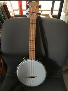 Banjo ukulele Melville Melville Area Preview