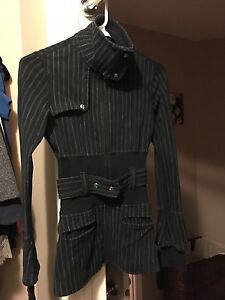 Lululemon fitted sweater/jacket