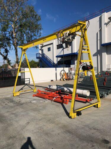2 Ton Electric hoist with hydraulic powered Gantry