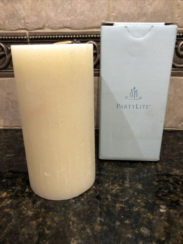 """PARTYLITE 3"""" x 6"""" """"HOLIDAY SPICES"""" TEXTURED/GLITTER PILLAR CANDLE w/BOX~ S3639"""