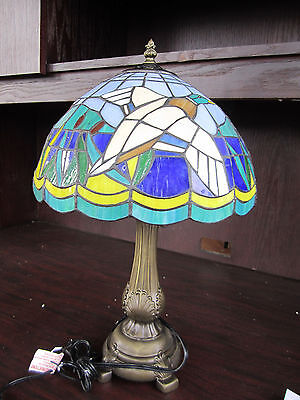 DUCK HUNTING BLACK LAB Tiffany Stained Glass LAMP NEW IN BOX Memory Company Ducks Stained Glass Tiffany Lamp