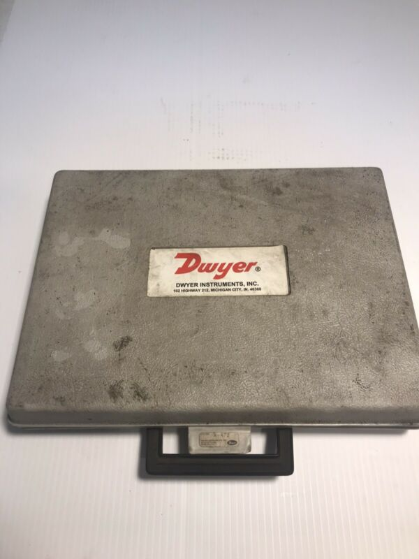 Dwyer Instrument 475/477 Digital Manometer