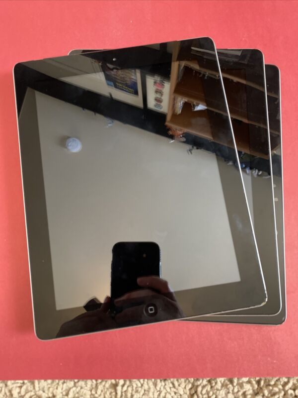 Apple iPad 2 Lot Of 3 For Parts