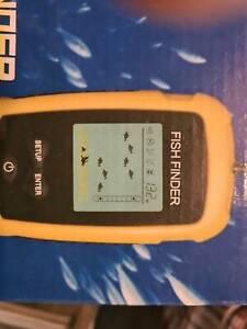 Fishfinder 4 AA battery