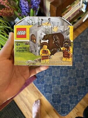 LEGO 5004936 Caveman And Cavewoman Promotional Set New