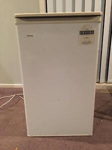 Little fridge & freezer working good Gungahlin Gungahlin Area Preview