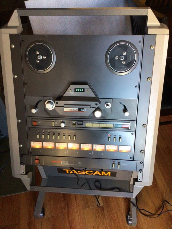 TASCAM 38 Reel to Reel 8-channel RECORDER/REPRODUCER w/ CS-607 CART RACK