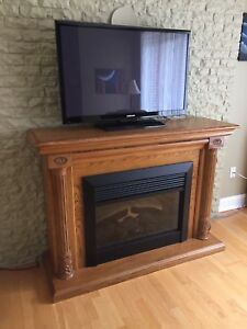 OAK CABINET - ELECTRIC FIREPLACE