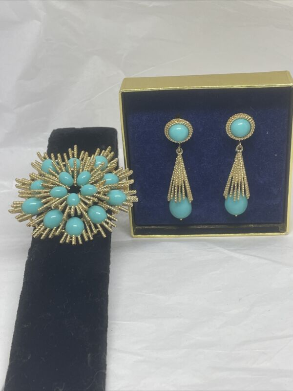 Vintage Signed Brooch & Earrings Set AVON Reproductions Blue Cabs on Gold Tone