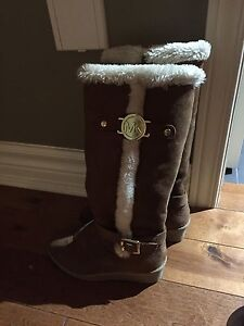 Michael Kors Suede boots for girls London Ontario image 2