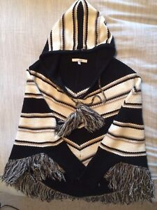 EUC hooded poncho with sleeves