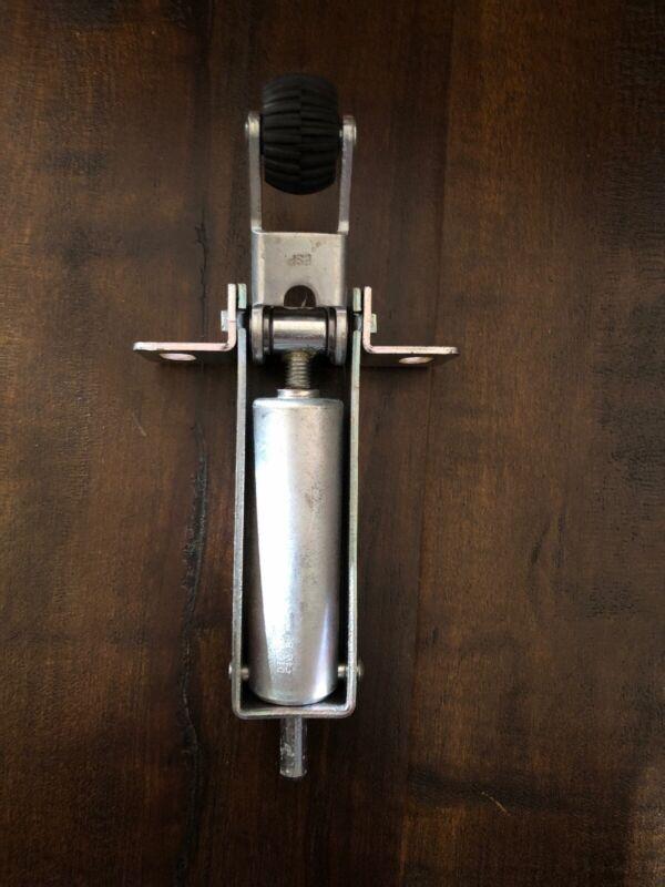 Dictator Door Damper Hydraulic Wheel Mechanism