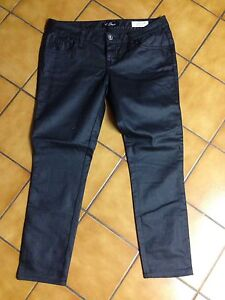 GUESS jegging style pants