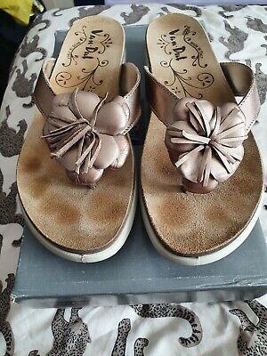 Van Dal Flip Flops Size 40