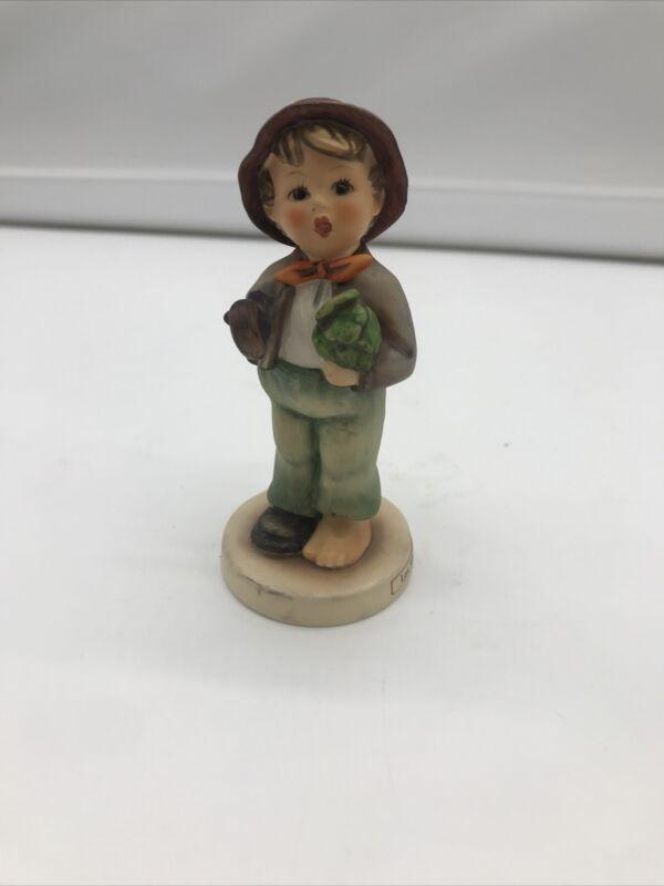 "Hummel Goebel 374 Figurine Germany 4.5"" Lost Stocking"